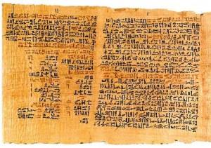 papiro de ebers egito 300x211 História da Medicina   Origem, Símbolos e Práticas Antigas, Evolução do Conhecimento